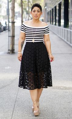 DIY Lace Skirt + Pattern Review Now on the blog...