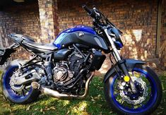 We show you the correct procedure how to install an Akrapovic Ti carbon exhaust onto the famous Yamaha to improve performance and sound. Stainless Steel Bolts, Street Fighter, Sport Bikes, Cool Bikes, Exhausted, Motorbikes, Motors, Tub, Sportbikes