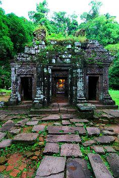 Wat Phu, Champasak, Laos | vatphou-champassak.com