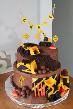 Construction birthday cake The Effective Pictures We Offer You About birthday cake kids A quality picture can tell you many things. You can find the most beautiful pictures that can be presented to yo Healthy Birthday Cakes, White Birthday Cakes, Homemade Birthday Cakes, Birthday Cakes For Women, Cakes For Boys, Fruit Birthday, Cake Kids, 2nd Birthday, Digger Birthday Cake