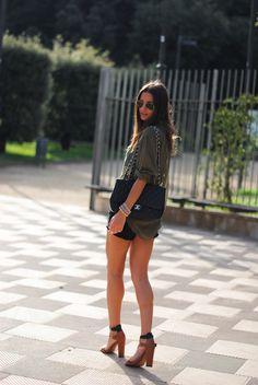 chanel+bag,+zara+sandals,+khaki+shirt.jpg (750×1120)