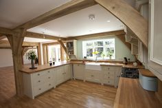 Beautiful and simple fitted kitchen in a gorgoeus open space oak frame home.