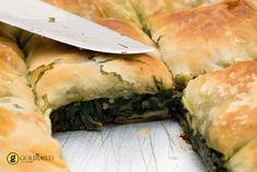 Μια εξαιρετική συνταγή για παραδοσιακή χορτόπιτα με ωραίο και τραγανό φύλλο στο οποίο δεν μπορεί να αντισταθεί κανείς!