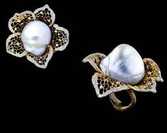 Jewellery Theatre - Autumn Ring Baroque pearl with diamonds