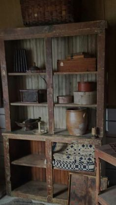 Great shelf to store wool..........Primitive America