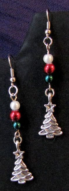 Red and Green Beaded Christmas Tree Earring set by PirateKatsBooty