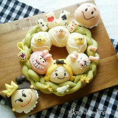 Japanese Bread, Japanese Food Art, Cute Buns, Sweet Buns, Kawaii Cooking, Cute Lunch Boxes, Party Food Platters, Cute Baking, Bread Shaping