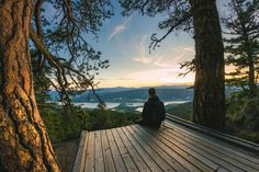 This Breathtaking Lookout Point In BC Is The Perfect Date Spot For Summer Horseshoe Bay Vancouver, Oh The Places You'll Go, Places To Visit, Hiking Places, Summer Dates, Top Of The World, Life Inspiration, Instagram Images, Copycat