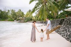 Husband and wife Paul and Dawn and their three-year-old daughter Piper spent their annual holiday on the island of Mauritius. Flytographer Mayline captured their ocean-side family holiday.