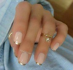 Uñas francesas con dorado