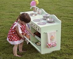 6. Handmade - 10 Fantastic DIY Play Kitchens … too cute