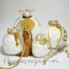 Christmas Home, Christmas Gifts, Yalda Night, Greek Beauty, Objet D'art, Lucky Charm, Xmas Decorations, Handmade Art, Pomegranate