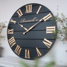 Diy Clock, Diy Wall Clocks, Kitchen Wall Clocks, Upcycle Home, Picture Clock, Farmhouse Clocks, Wood Clocks, Antique Clocks, Wooden Diy