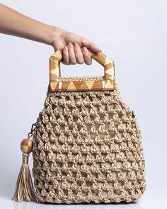 Crochet Tote, Crochet Handbags, Handmade Handbags, Handmade Bags, Crochet Prayer Shawls, Crochet Bag Tutorials, Macrame Purse, Basket Bag, Fabric Bags