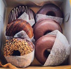 Imagen vía We Heart It https://weheartit.com/entry/153494826/via/27047156 #amazing #chocolate #donut #Dream #food #happy #indie #sweet