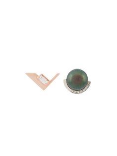 Kova - unbalanced stud earrings