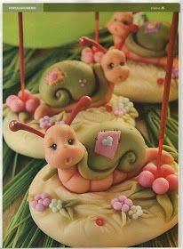 Passo a passo de como fazer as peças em biscuit...noivinhos, topo de bolo, flores etc