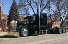 Custom Peterbilt, Peterbilt 389, Peterbilt Trucks, Lifted Ford Trucks, Show Trucks, Big Rig Trucks, Custom Big Rigs, Custom Trucks, Lowrider Trucks