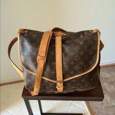 Authentic Louis Vuitton Saumur 35 Bag Pre-loved LV Crossbody/shoulder bag in very good vintage condition! Monogram canvas. Louis Vuitton Bags Crossbody Bags