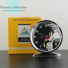 For more information check out the extended gallery at our collectibles webshop. Yosemite Sam, Bros, Looney Tunes, Alarm Clock, Walt Disney, Gallery, Check, Objects, Projection Alarm Clock
