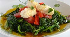Μια καλοκαιρινή και δροσιστική συνταγή για Βλήτα με φρέσκια ντομάτα και τυροκαυτερή made by Pepi's kitchen! Snack Recipes, Healthy Recipes, Snacks, Healthy Meals, Salad Bar, Greek Recipes, Seaweed Salad, Salads, Ethnic Recipes