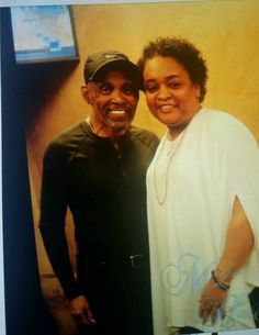 Music Icon, Soul Music, Frankie Beverly, Handsome Black Men, A Moment In Time, Kinds Of Music, Black History, Captain Hat, Maze