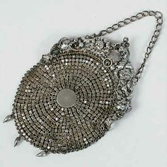 Victorian Sterling Mesh Purse in Repousse Floral Frame With Chain Handle and Three Teardrop-Shaped Beads Hanging From the Bottom of the Purse, Sterling Silver. Vintage Purses, Vintage Bags, Vintage Handbags, Vintage Outfits, Vintage Jewelry, Vintage Silver, Antique Silver, Moda Hippie, Hippie Chic