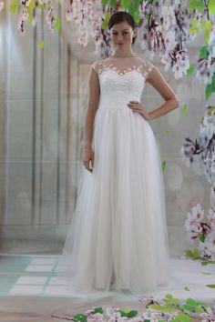 Waistline:Natural is_customized:Yes Dresses Length:Floor-Length Silhouette:Aline Neckline:Scoop Sleeve Length:Sleeveless Wedding Dress Fabric:Tulle