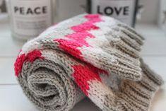 Sweet things: Siksak -hulluus How To Purl Knit, Winter Hats, Knitting, Sweet, Fashion, Moda, Tricot, Fashion Styles, Stricken