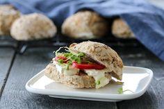 Eltefrie fullkornsrundstykker med chiafrø Salmon Burgers, A Food, Tacos, Mexican, Vegetarian, Vegan, Baking, Breakfast, Healthy