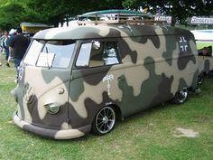 Camo - Volkswagen - Bus love this Volkswagen Bus, Volkswagen Transporter, Vw T1 Camper, Vw Caravan, Campers, Carros Retro, Carros Vw, Kombi Trailer, Vans Vw