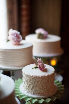 white cakes with mismatched patterns and florals // photo by Stacee Lianna GOOD IDEA Starlynn? Pretty Cakes, Beautiful Cakes, Amazing Cakes, Cupcakes, Cupcake Cakes, Fancy Cakes, Mini Cakes, Mini Wedding Cakes, White Cakes