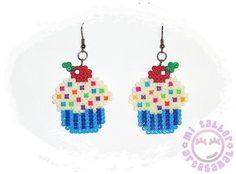 """cupcakes hama - pendientes helado con virutas de colores by """"mi taller artesanal http://www.creactivites.com/229-perles-a-repasser"""