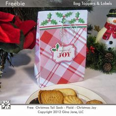 Your Free Art: Free Christmas Paper Sack with Tags and Toppers!