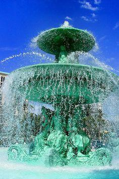 Fountain@Las Vegas by hk_traveller, via Flickr