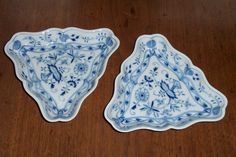 2 Meissen Blue Onion China Triangular Salad Bowls/Serving Dishes