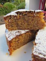 Ana Miúda: Bolo de Amêndoa e Gila Portuguese Desserts, Portuguese Recipes, Tortas Deli, Cake Recipes, Dessert Recipes, Happy Foods, Almond Cakes, Sweet Cakes, Coco