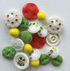 Vintage Buttons - 1940's 20 Mixed Glass & Casein Green/White/Orange Buttons in Other | eBay