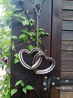 horse shoe entwined hearts