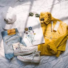 """207.2k Likes, 641 Comments - Urban Outfitters (@urbanoutfitters) on Instagram: """"Sunny Saturday looks. Shop the Gnarly Bouquet Short Sleeve Tee, SKU #42799932. #UOonYou"""""""