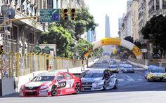 Super TC 2000 en la ciudad de Buenos Aires.
