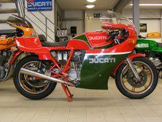 Motorcycle Art, Motorcycle Design, Ducati Classic, Ducati Motorcycles, Classic Italian, Motorbikes, Vintage Italian, Motors, Motorcycle