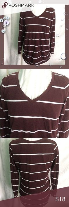 """Old Navy Maternity / Brown White V Neck / Large Old Navy Maternity / Brown & White Striped V Neck Tunic / Size Large / Approx Measurements: Bust 42"""" & Length 29"""" / Oh So Comfy & Versatile!  Please feel free to make an offer - Enjoy BIG discounts on bundles & save $$$ on shipping! I package safely & ship fast.  TY & Happy Poshing! 💜💜💜 D6 Old Navy Tops Tees - Long Sleeve"""