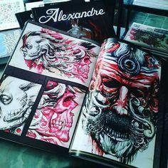 A gente sabe ... você vai querer este #livro do artista @dallier73 focado em estilo #biomecânico  Mais um para a sua coleção.  #vem comprar o seu, enviamos pelos correios a todo o Brasil.  #livros #shop #presentescriativos  #tatuagem #tattoos #tagsforlikes #followme #tattoobooks #tattooing #colecionadores #tattooshop #supply #boascompras #boasideias #instadaily #instagood