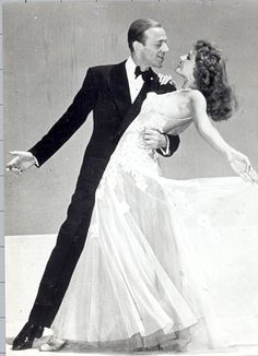 Rita Hayworth & Fred Astaire - Photo by George Hurrell from You Were Never Lovelier Golden Age Of Hollywood, Vintage Hollywood, Classic Hollywood, Rita Hayworth, John Wilson, Fred And Ginger, Pose Reference Photo, Fred Astaire, Dance Poses