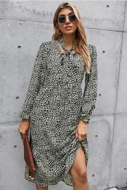 Solid Color Slit Pinafore Dress– Pavacat Denim Bodycon Dress, Laced Up Shirt, Straight Dress, Pinafore Dress, Types Of Dresses, Dress With Bow, Long Sleeve Sweater, Knit Dress, Color