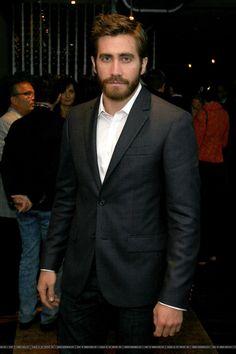 Jake Gyllenhaal : Photo Beard Lover, Hipster Man, Jake Gyllenhaal, Famous Men, Keanu Reeves, Celebrity Crush, My Boys, Actors & Actresses, Beautiful Men