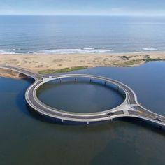 Rafael Viñoly completes circular bridge spanning a Uruguayan lagoon