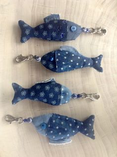 Unique gifts for him: Fish keychain. Fisherman gift handmade by Olula. Fish keyring, Stuffed animal fish, Ornament for knobs Fabric Fish, Fabric Art, Fish Crafts, Beach Crafts, Hobbies And Crafts, Diy And Crafts, Sewing Crafts, Sewing Projects, Fabric Brooch