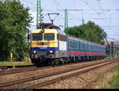 Net Photo: 2309 Hungarian State Railways (MÁV) at Budapest, Hungary by László Zentai Bald Girl, Locomotive, Budapest, Diesel, Electric, World, Image, Trains, Europe